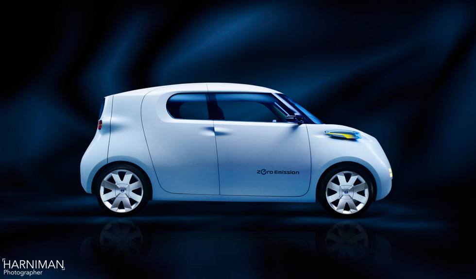 The Nissan Townpod and why the Dernbach studio is ideal for injured photographers