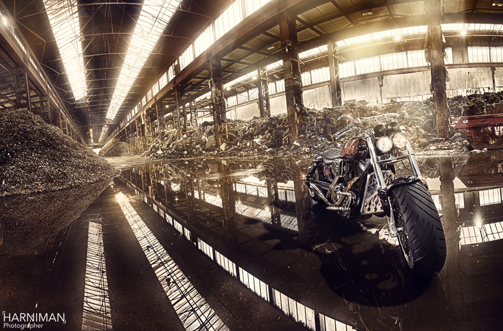 Capturing a demented Kawasaki Mean Streak with Profoto Flash