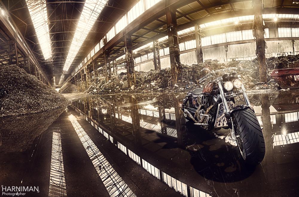 Capturing a demented Kawasaki Mean Streak with Profoto Flash