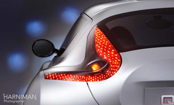 Nissan Qazana concept rear light studio shot