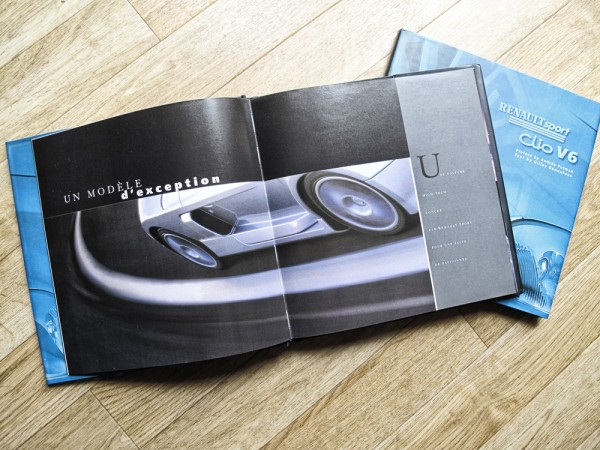 Renault Clio V6, book