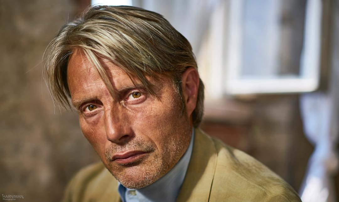 Mads Mikkelsen…Le Fantôme & The Edge