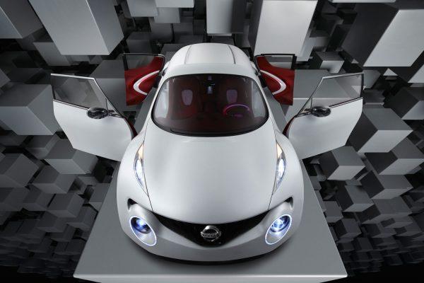 Nissan Quazana Concept - car shot in studio, background created in CGI