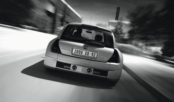 Renault Clio V6 European press ad